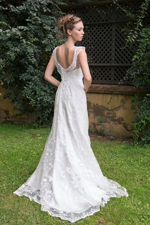 Wedding dress Miranda-Mila by L'AVETIS