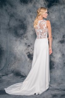 Wedding dress Valentina by L'AVETIS