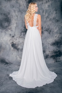 Wedding dress Zara by L'AVETIS