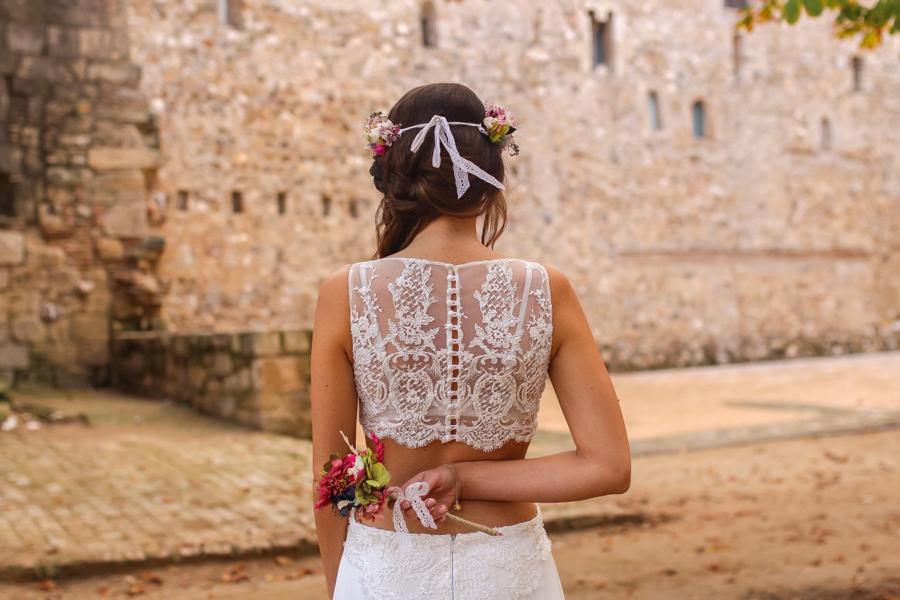 Lovely Mirror con los vestidos de novia L'AVETIS,