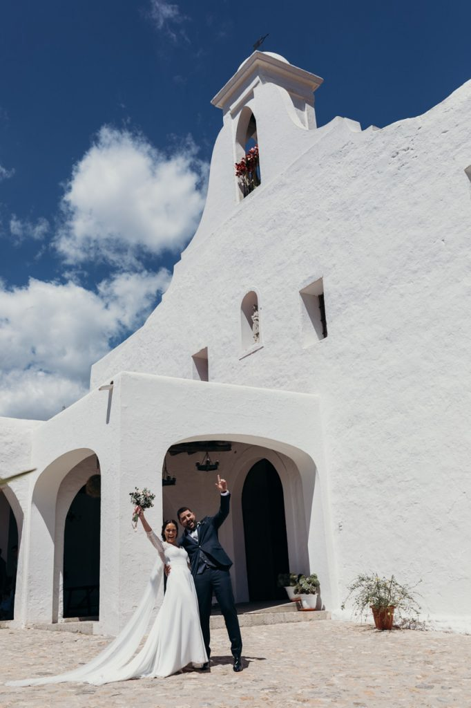 Raquel y Juanjo en su boda en Ibiza