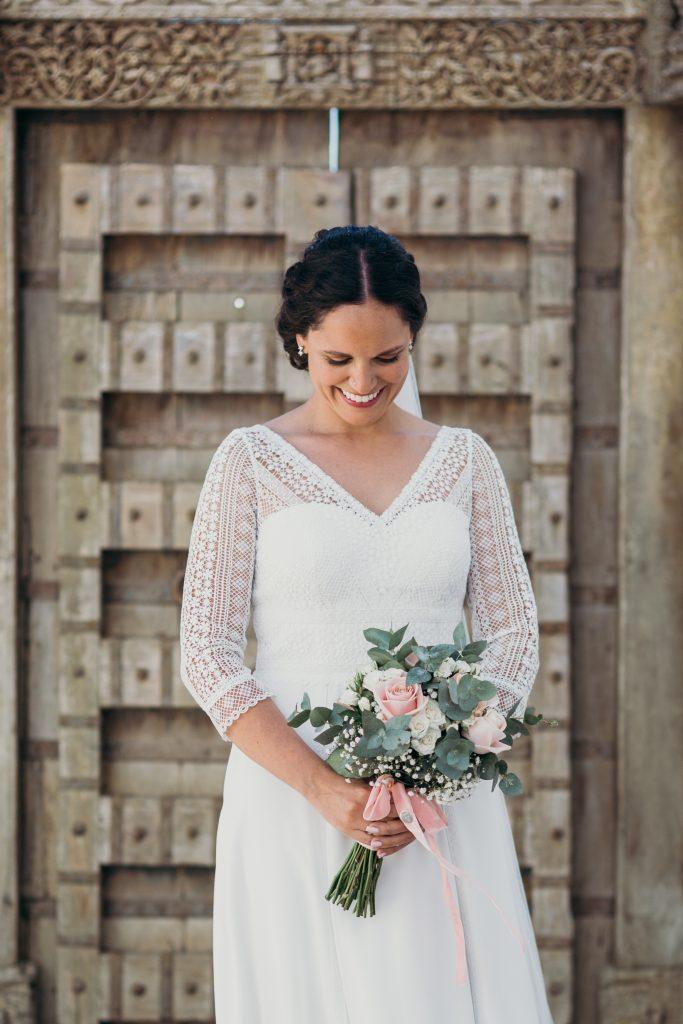 Raquel con vestido L'AVETIS en su boda en Ibiza